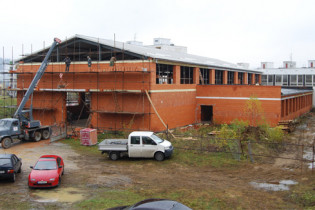 Výstavba telocvične na ZŠ Komenského